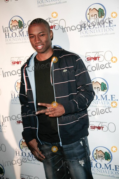 Robbie Jones Photo - Robbie Jones arrives at HOME Foundations STIKS Celebrity Video Game Challenge held at Spot 5750 Los Angeles CA 011111