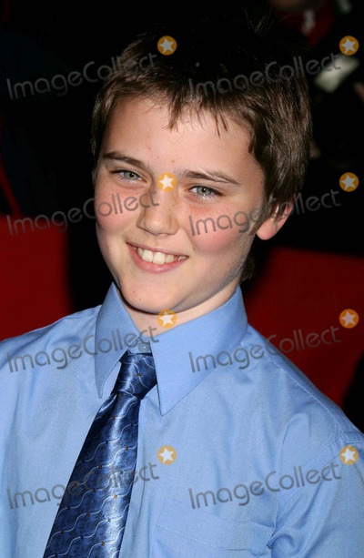 Cameron Bright Photo - Cameron Bright Arriving the Premiere of Birth at Loews Lincoln Square in New York City on October 26 2004 Photo by Henry McgeeGlobe Photos Inc 2004