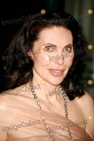 Veronica Hearst Picture - Veronica Hearst Arriving at the 38th Annual    Veronica Hearst
