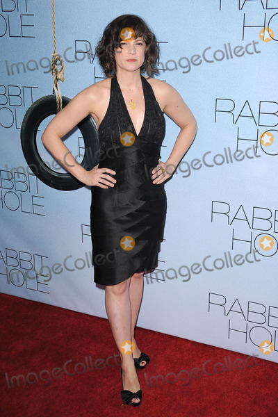 AMANDA PENNINGTON Photo - Amanda Pennington  attends the premiere of Rabbit Hole at the Paris Theatre on December 2 2010 in New York City