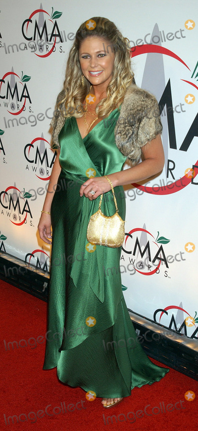 Amber Dotson Photo - Amber Dotson arriving to the 39th Annual Country Music Awards held at Madison Square Garden