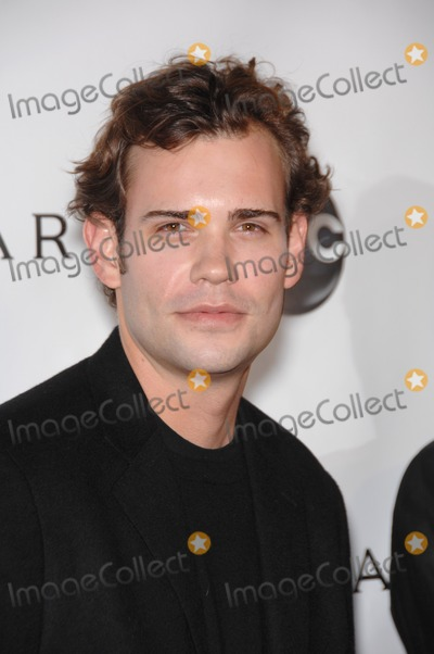 Rossif Sutherland Photo - Rossif Sutherland at the premiere of TV series Dirty Sexy Money at the Paramount Theatre HollywoodSeptember 24 2007  Los Angeles CAPicture Paul Smith  Featureflash