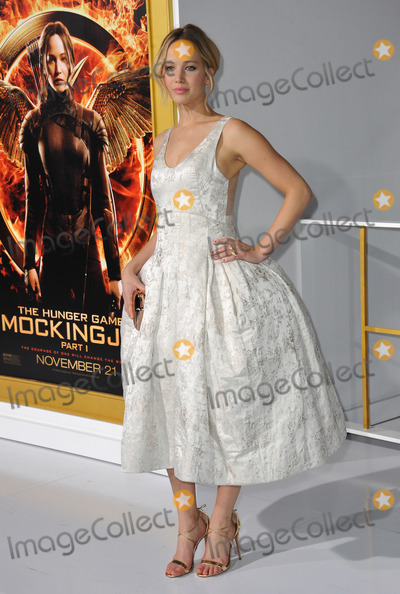 Jennifer Lawrence Photo - Jennifer Lawrence at the Los Angeles premiere of her movie The Hunger Games Mockingjay Part One at the Nokia Theatre LA LiveNovember 17 2014  Los Angeles CAPicture Paul Smith  Featureflash