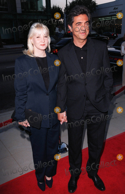 Dean Martin Photo - 18AUG98  Actor JOE MANTEGNA  wife at the Beverly Hills premiere of HBOs The Rat Pack He plays Dean Martin in the movie which is based on the lives of Frank Sinatra Dean Martin Peter Lawford  Joey Bishop