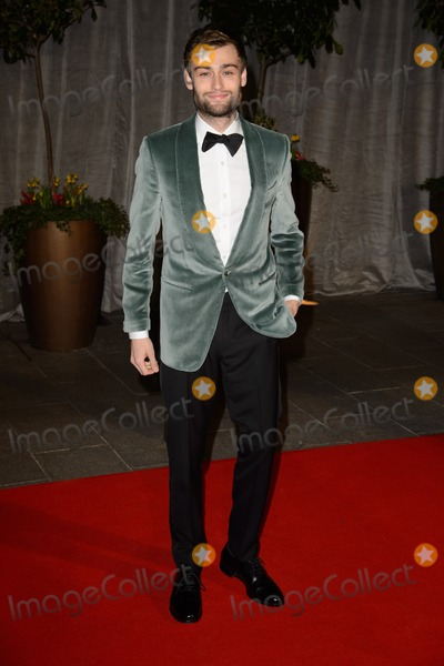 Douglas Booth Photo - Douglas Booth arrives for the BAFTA Film Awards 2015 dinner at the Grosvenor House Hotel London  08022015 Picture by Steve Vas Featureflash