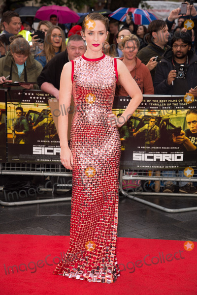 Emily Blunt Photo - Emily Blunt at the UK Premiere of Sicario at the Empire Leicester SquareSeptember 21 2015  London UKPicture Steve Vas  Featureflash