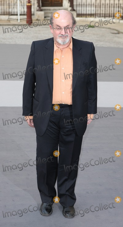 Jamie Winstone Photo - London UK  Salman Rushdie  at the Royal Academy Summer Exhibition VIP Private View at the Royal Academy in Piccadilly2nd  June 2011Evil ImagesLandmark Media
