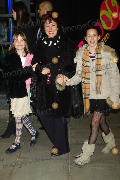 Scooby-Doo Photo - London Ruby Wax with her daughters Marina and Madeline at the London premiere of  Scooby-Doo 2 Monsters Unleashed  26th March 2004 PICTURES BY RAOUL TREZARILANDMARK MEDIA LMK