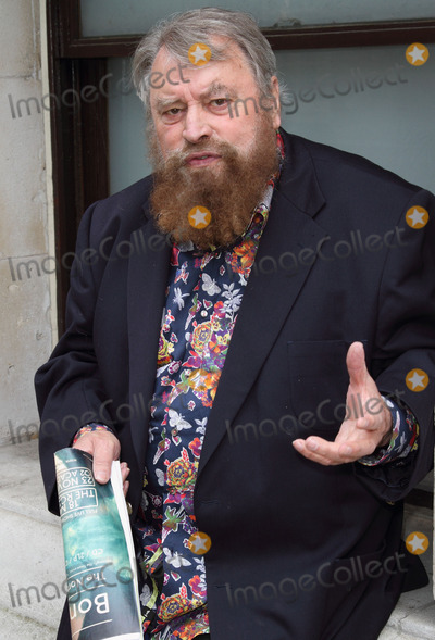 Eddie Izzard Photo - London UK Brian Blessed at the Petition To Downing Street Actors Brian Blessed and Annette Crosbie are among a group delivering a post card to 10 Downing Street signed by celebrities such as Joanna Lumley Twiggy Eddie Izzard and Julian Clary in support of greater transparency on animal research on World Day for Laboratory Animals 24th April 2013Keith MayhewLandmark Media