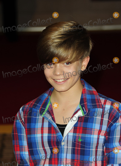 Ronan Parke Photo - London UK Ronan Parke at the World Premiere of The Three Musketeers in 3D at Vue Cinemas Westfields Shepherds Bush 4th October 2011sydLandmark Media