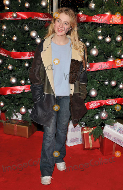 Anais Gallagher Photo - London UK  Anais Gallagher   at the VIP Preview of Winter Wonderland at Hyde Park on November 17 2016 in London United KingdomRef  LMK315-62270-191116Can NguyenLandmark Media WWWLMKMEDIACOM