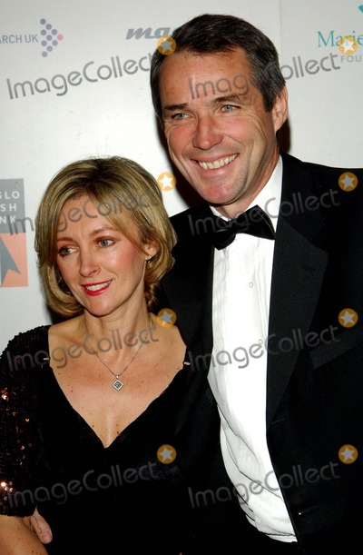 Alan Hansen Photo - LondonUK Former Scottish international football player and now TV commentator Alan Hansen with wife Janet at the Emeralds and Ivy Ball to help raise money for the charity Cancer Research UK Battersea Evolution 21st November 2008 Chris JosephLandmark Media