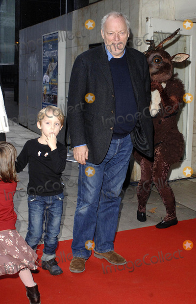 David Gilmour Photo - London UK David Gilmour and Guest arrive at the 9th annual gala performance of the famous Raymond Briggs story The Snowman at Sadlers Wells Peacock Theatre in London 9th December 2006 Ali KadinskyLandmark Media