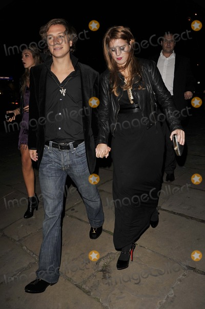 Dave Clark Photo - Los AngelesCAUSA  Princess Beatrice (daughter of Sarah Duchess of York) holding hands with boyfriend Dave Clark  at the  Bloodlust Ball  Trinity Church 25th October 2008 Can NguyenLandmark Media