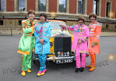 Albert Hall Photo - London UK 010617The Bootleg Beatles with a replica of John Lennons psychedelic Rolls-Royce Phantom car The photocall marks the 50th anniversary of The Beatles iconic album Sgt Peppers Lonely Hearts Club Band on 1 June 1967 The tribute band are also marking the occasion by performing with the Liverpool Philharmonic Orchestra at sold-out show at Londons Royal Albert HallJune 1st 20171 June 2017Ref LMK73-MB171-010617Keith MayhewLandmark MediaWWWLMKMEDIACOM