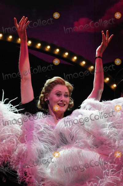 Sarah Lancashire Photo - London UK Sarah Lancashire at the Betty Blue Eyes Photocall held at the Novello Theatre 4th April 2011Matt LewisLandmark Media