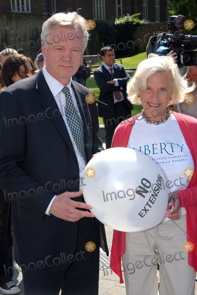 Honor Blackman Photo - LondonUK Conservative  MP David Davis and veteran actress Honor Blackman at the Liberty organised protest against the British Governments intention to extend the amout of time a suspect can be held in custody before charges are brought or dropped The current limit is 28 days but the British Government wants to change this to 42 days A vote on this issue will be decided on the 11th June in the House of Commons  StStephens Green Westminister 10th June 2008 Chris JosephLandmark Media