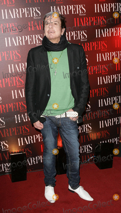 Nicky Haslam Photo - London Nicky Haslam at the Party at Cirque Leicester Square to celebrate the first issue of british Harpers Bazaar16 February 2006Paulo PirezLandmark Media
