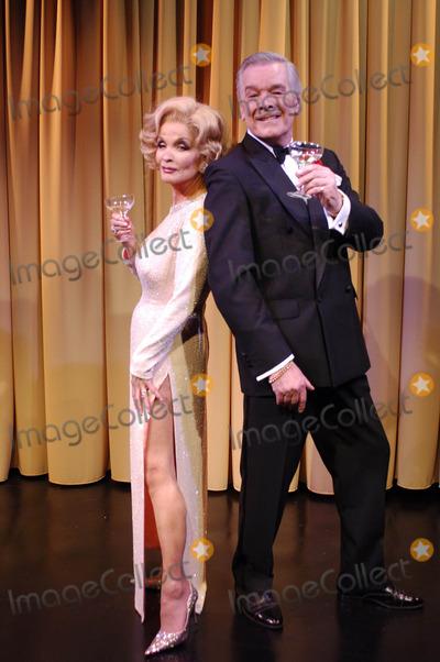 Kate OMara Photo - London Kate OMara and  Frank Barrie star as Marlene Dietrich and Noel Coward in Lunch With Marlene  at the New End Theatre in Hampstead26 March 2007Ali KadinskyLandmark Media