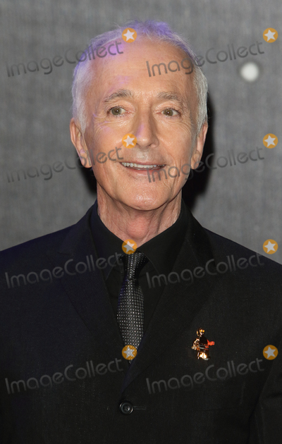 Anthony Daniels Photo - LondonUK Anthony Daniels  at the Star Wars The Force Awakens - European Premiere at Leicester Square  16th December 2015Ref LMK73-59062-171215Keith MayhewLandmark Media WWWLMKMEDIACOM