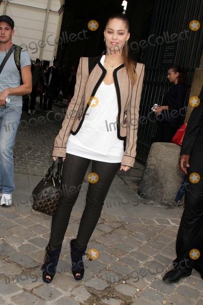 Marie-Ange Casta Photo - Louis Vuitton- Paris Fashion Week Springsummer 2010 - Celebrity Arrivals Cour Carree Du Louvre Paris France 100709 Marie Ange Casta Photo Clinton H Wallace-photomundo-Globe Photos Inc