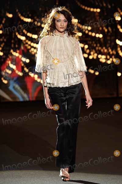 Ai Tominaga Photo - Olympus Fashion Week Y  Kei Fall 2004 Collection at Bryant Park in New York City 02072004 Photo Ken Rumments Globe Photos Inc 2004 Ai Tominaga
