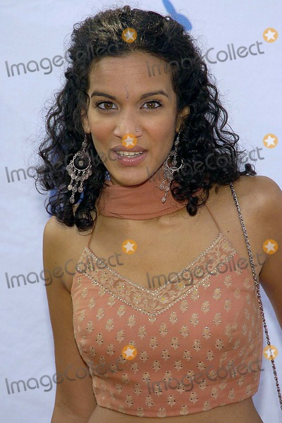 Anoushka Shankar Photo - Petas 25th Anniversary Gala and Humanitarian Awards Show Paramount Pictures Hollywood CA 09-10-05 Photodavid Longendyke-Globe Photos Inc 2005 Anoushka Shankar