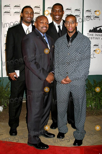 Ken Carter Photo - the 13th Annual Los Angeles Inner City Destiny Awards Honors Coach Ken Carter Celebrity Centre Hollywood  CA 01-16-2005 Photo ClintonhwallacephotomundoGlobe Copyright 2004 Coach Ken Carter Group Photo