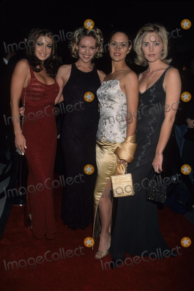 Sydney Penny Photo - Carmen Electra with Cassidy Rae  Sydney Penny and Christina Moore K14454lr Wb Press Tour Party IL Fornaio Restaurant 1999 Photo by Lisa Rose-Globe Photos Inc