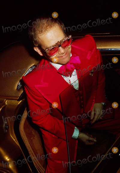Elton John Photo - Elton John 1974 9779 Photo by Phil Roach-ipol-Globe Photos Inc