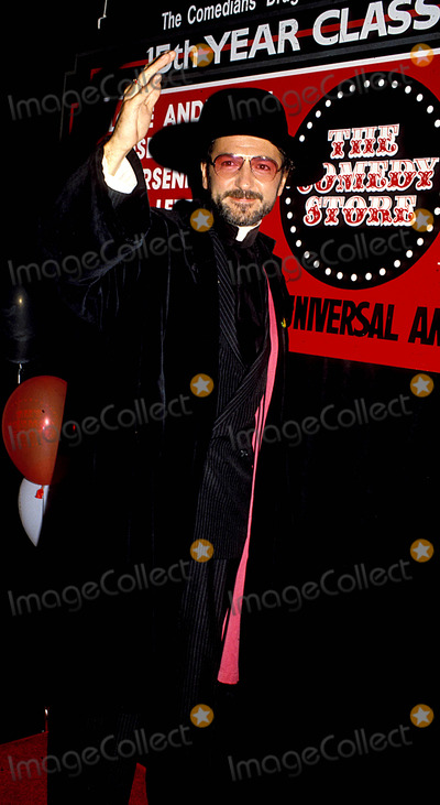 Father Guido Sarducci Photo - Don Novello As Father Guido Sarducci Photoroger Karnbad  Michelson  Globe Photos Inc