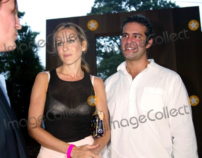 Andrew Cohen Photo -  Sd08022003 Louis Vuiton and the Byrd Hoffman Watermill Foundation Announce the Robert Wilson-lous Vuitton Watermill Center Summer Benefit Watermill NY Sarah Jessica Parker_andrew Cohen Photo by Sonia Moskowitz  Globe Photosinc