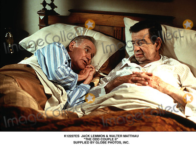 Walter Matthau Photo - Jack Lemmon  Walter Matthau the Odd Couple Ii Supplied by Globe Photos Inc