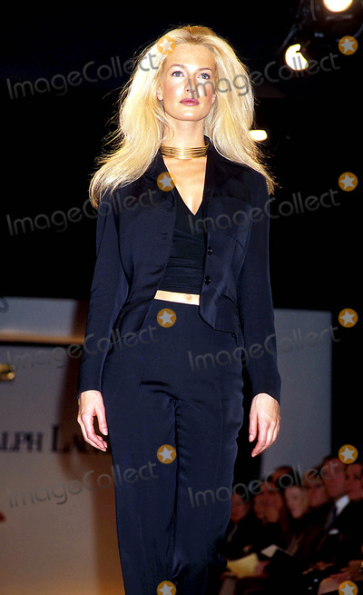 Karen Mulder Photo - Sd1030 Raplh Lauren Spring Fashion Show 97 Karen Mulder Photo Byrose HartmanGlobe Photos Inc