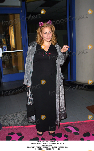 Kathy Najimy Photo - Josie and the Pussycats Premiere at the Galaxy Theatre in LA Kathy Najimy Photo by Fitzroy Barrett  Globe Photos Inc 4-9-2001 K21521fb (D)