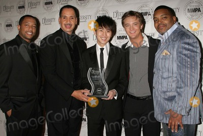 Jarvee Hutcherson Photo - 2009 Diversity Awards - Show  Pressroom Luxe Hotel Bel-air CA 112209 Justin Chon and Michael Welch with Jarvee Hutcherson and Diversity Awards Board Members Photo Clinton H Wallace-photomundo-Globe Photos Inc