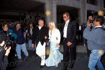 Gianni Versace Photo - American Ballet Theatres Spring Gala 05-01-1995 Photo Rose Hartman-Globe Photos Inc 1995 Donatella Versace Gianni Versace Paul Beck