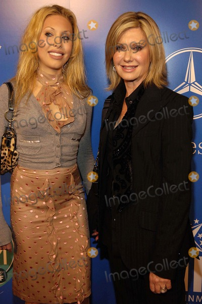 Olivia Newton-John Photo - Grammy Jam Celebrates the Legacy of Stevie Wonder to Raise Funds For the Entertainment Industry Foundations National Arts and Music Education Initiative Olivia Newton John and Cloe Lachancey K46231vg Photo by Globe Photos Inc 2005 12-10-