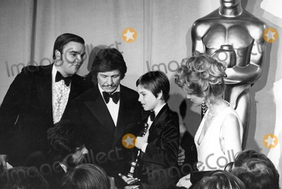 Jill Ireland Photo - Charles Bronson Tatum Oneal and Jill Ireland Photo by Globe Photos Academy Awards-oscars