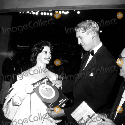 James Stewart Photo - Natalie Wood and James Stewart a388-7a Globe Photos Inc Nataliewoodretro