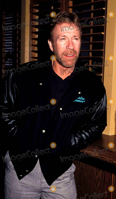 Chuck Norris Photo - Chuck Norris Photo Phil Roach  Ipol Globe Photos Inc Chucknorrisretro