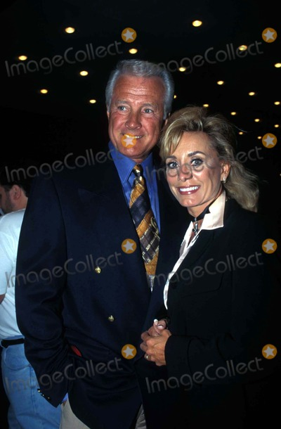 Lyle Waggoner Photo - How to Succeed in Business Without Really Trying Lyle Waggoner and Wife Sharon Photo by Nina PrommerGlobe Photos Inc