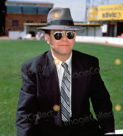 Elton John Photo - Elton John 8-15-1988 Photo by Uppa-ipol-Globe Photos Inc