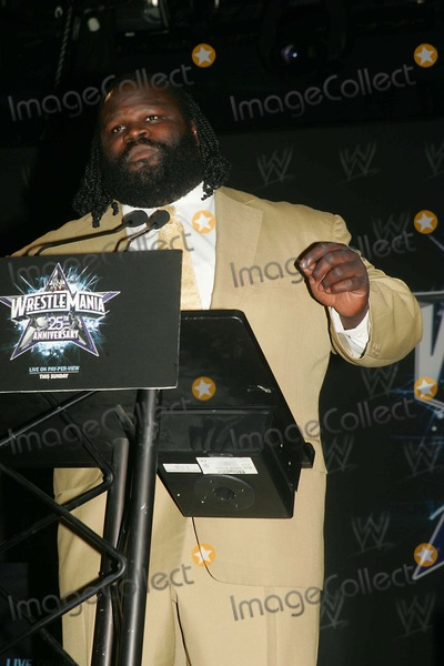Ric Flair Photo - Wwe Announces the 25th Anniversary of Wrestlemania at the Hard Rock Cafe NYC 03-31-2009 Photo by Rick Mackler-rangefinder-Globe Photos Inc 2009 Ric Flair Mark Henry