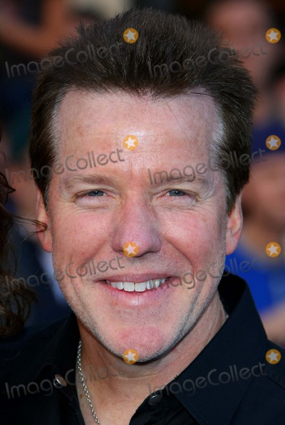 Jeff Dunham Photo - Jeff Dunham Ventriloquist the World Premiere of Gnomeo  Juliet Held at the El Capitan Theatre in Hollywood California on 01-23-2011 photo by Graham Whitby Boot-allstar - Globe Photos Inc 2011