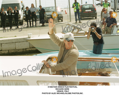 Richard Gere Photo - venice Film Festival Richard Gere Venice Italy Photo by Alec MichaelGlobe Photosinc