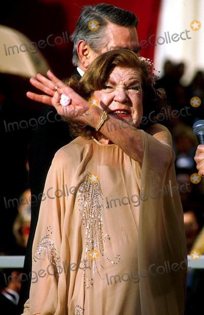 Anne Ramsey Photo - Academy Awards  Oscar 14961 Anne Ramsey Photo Byjames ColburnipolGlobe Photos Inc