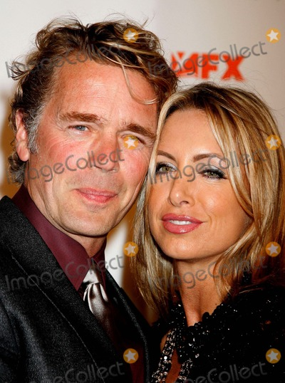 John Schneider Photo - Niptuck Season 5 Premiere Screening Paramount Theatre Hollywood CA 102007 John Schneider and Elly Castle Photo Clinton H Wallace-photomundo-Globe Photos Inc