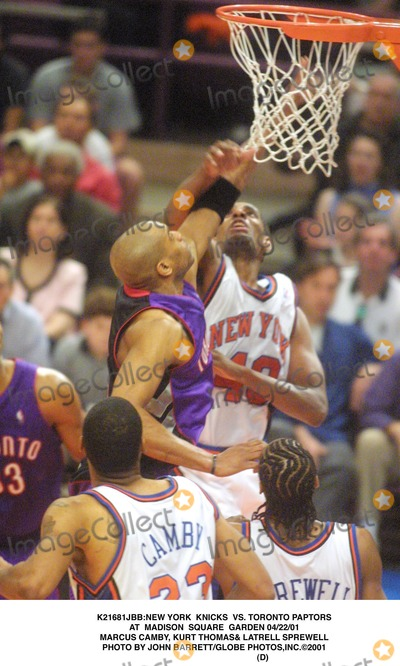 Kurt Thomas Photo - new York Knicks Vs Toronto Paptors at Madison Square Garden 042201 Marcus Camby Kurt Thomas Latrell Sprewell Photo by John BarrettGlobe Photosinc2001 (D)