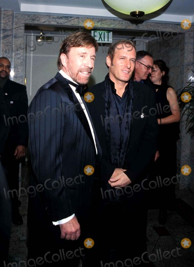 Chuck Norris Photo - Salute to Chuck Norris Fairmont Hotel Santa Monica California Chuck Norris and Michael Bolton Photo Amy Graves  Globe Photos Inc 2001 Chucknorrisretro
